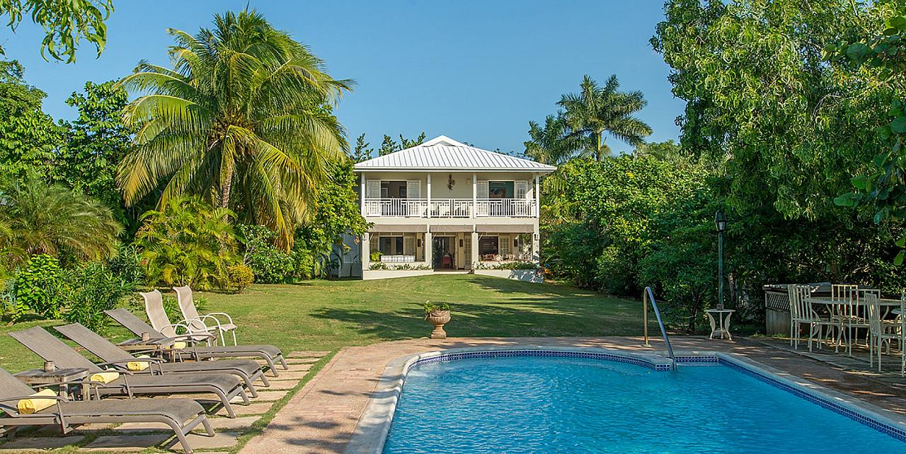 Discovery Bay Jamaica - 5 bedroom beachfront villa