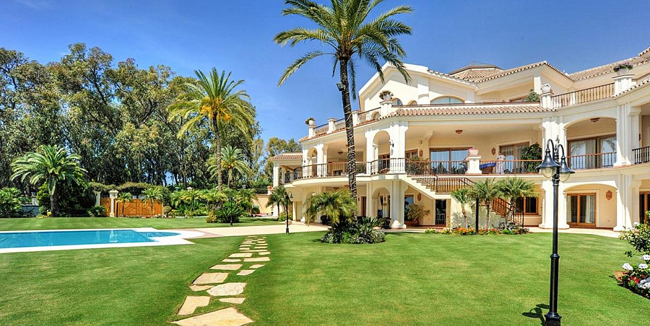 Casa de la Playa Marbella, luxury beachfront villa