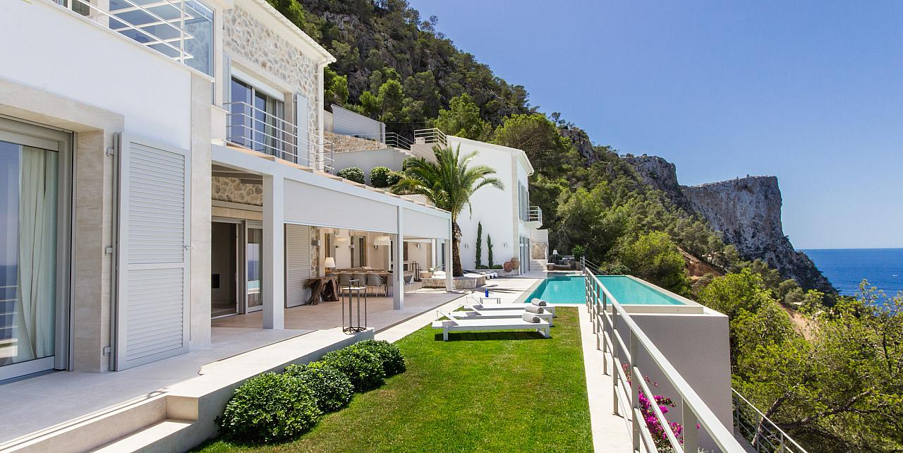 Villa del Luz 6 bedroom villa in Andratx Mallorca