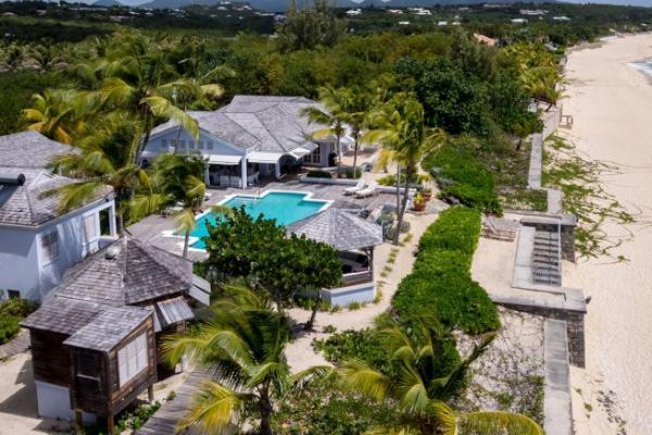 Villa Eden Beachfront