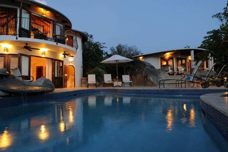 Villa On The Rocks